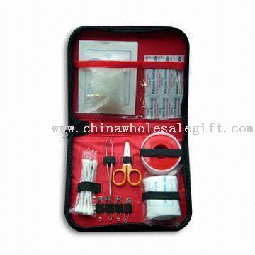 Kit de primeros auxilios apropiados para viajes y la Escuela de