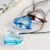 murano glass heart necklace from RedEnvelope images
