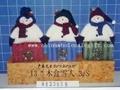 snowman on the wooden box 3/s images
