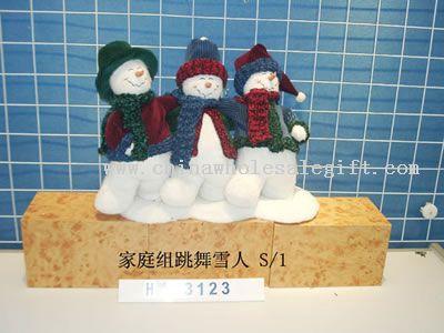 dancing snowman family