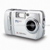 100g Digital Camera with SD/MMC Card, Measuring 94 x 40 x 56mm images