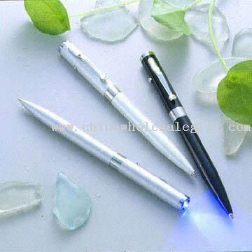 Pen Type Counterfeit Money Detectors Use UV Light