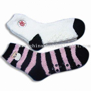kolla upp senaste modet se upp för Womens lurviga sockor - Damer strumpor