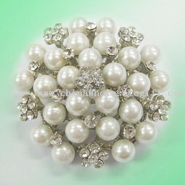 Perle broche