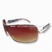 Fashion Sunglasses with Heart Rhinestone on Lens images