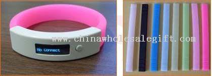Vibrating Bluetooth Bracelet with OLED display