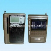 AM/FM/SW1-4 6-Band Digital Solar Radio with Swivel Telescopic Antenna images