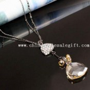 Fashionable Pendant with Rhodium Plating and Crystal images