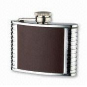 Duples Stainless steel Hip Flask with leather middle images