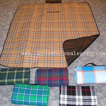 Convenient Picnic Fleece Blankets
