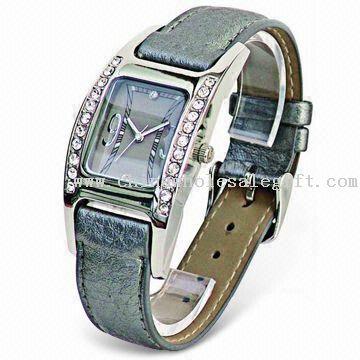 Wrist Metal Watch with PU Leather Belt
