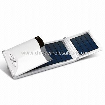 Solar Charger with 4.5W Solar Panel and 11.1V/4,000mAh Built-in Battery for Laptops