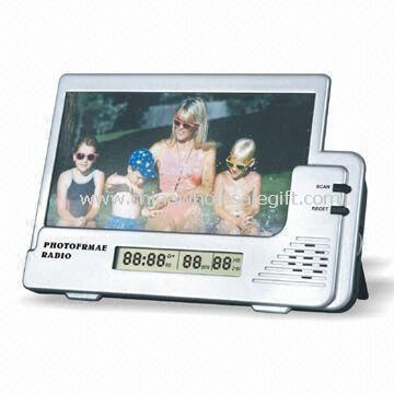 Plastic LCD Clock with AM and FM Radio