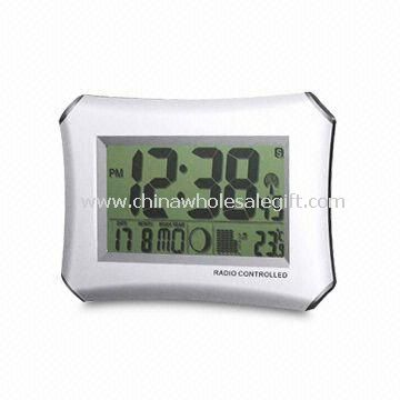 Radio-controlled LCD Wall Clock with Multiple Language Options