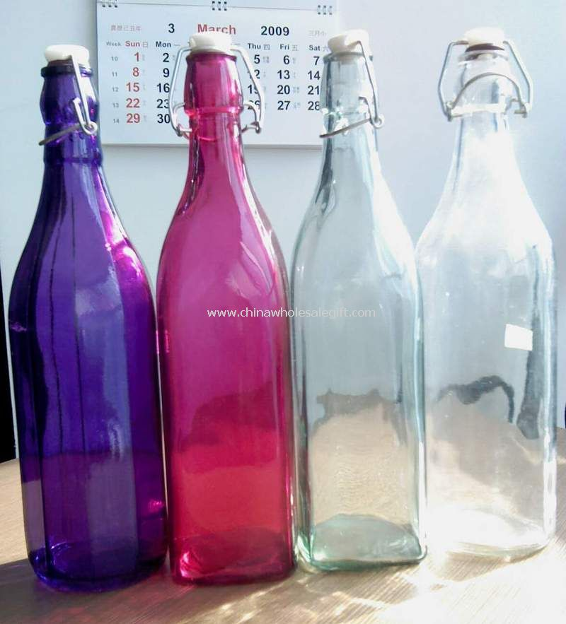 Multi color glass bottle with zinc ring and plastic top