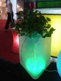 Színváltó LED-es virágcserép