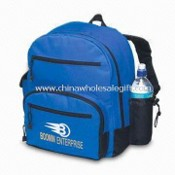 Sports Bag with Curved Shape Front Pocket, Made of 600D Polyester images