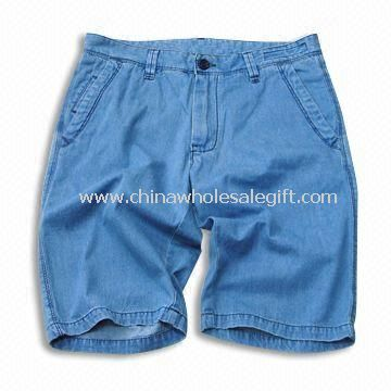 Short Jeans with Stone Bleach and Dirty Wash Made of 100% Cotton Fabric