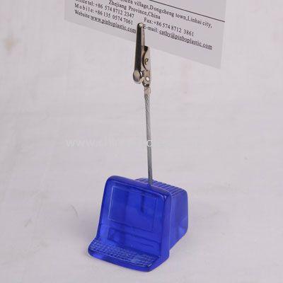 Memo holder in computer shape