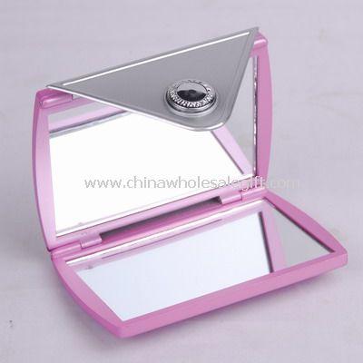 Cosmetic mirror in wallet shape