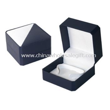 traditional style watch box