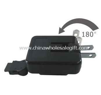 Retractable travel charger