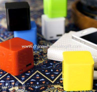 Cube power bank in 2400 mAh
