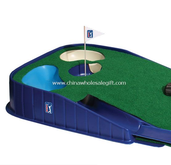 GOLF PUTTING MAT