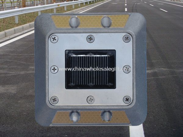4 prowadził stadniny Solar road