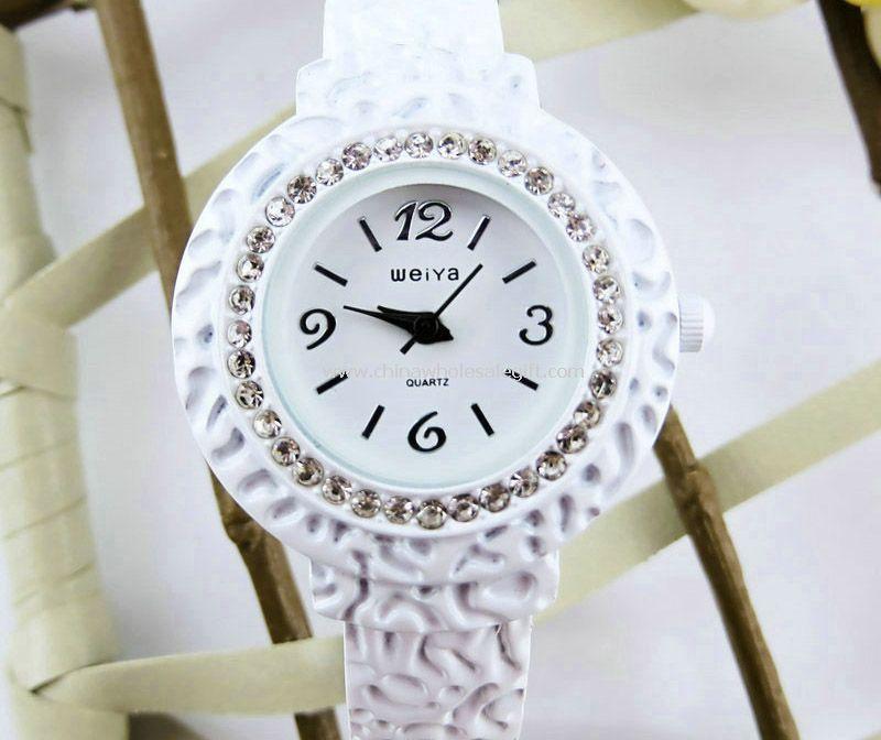 Lady fashion watch with diamond