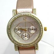 Round Lady Diamond Watch images