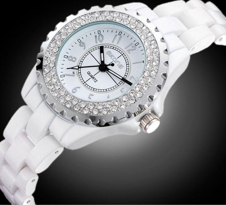 Леди Мода часы с алмазами