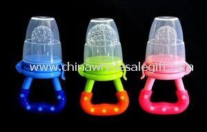 Silicone baby feeder with caps