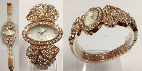 Pearl crystal watch