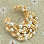 Rhinestone Brooch Pin images