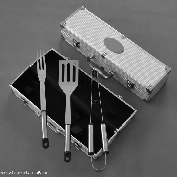bbq set with case